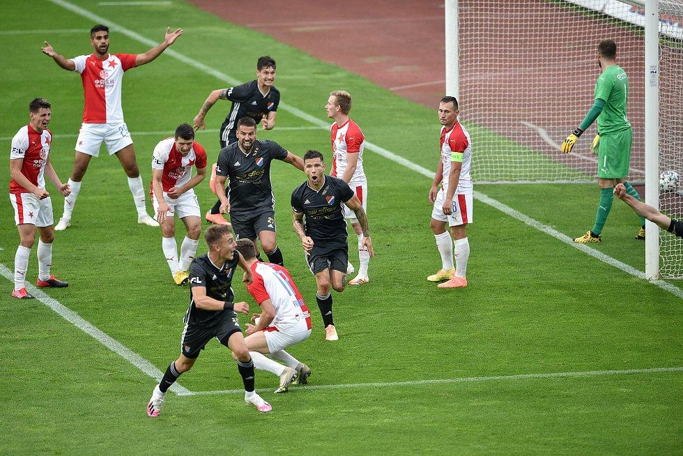 Utkání 29. kola první fotbalové ligy: FC Baník Ostrava - SK Slavia Praha, 10. června 2020 v Ostravě. Radost Baníku.