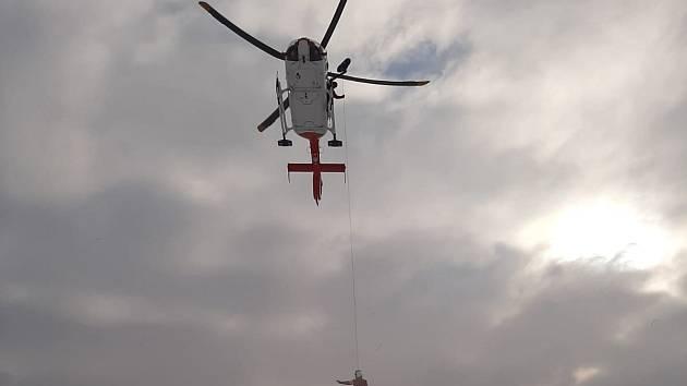 Výcvik leteckých záchranářů.