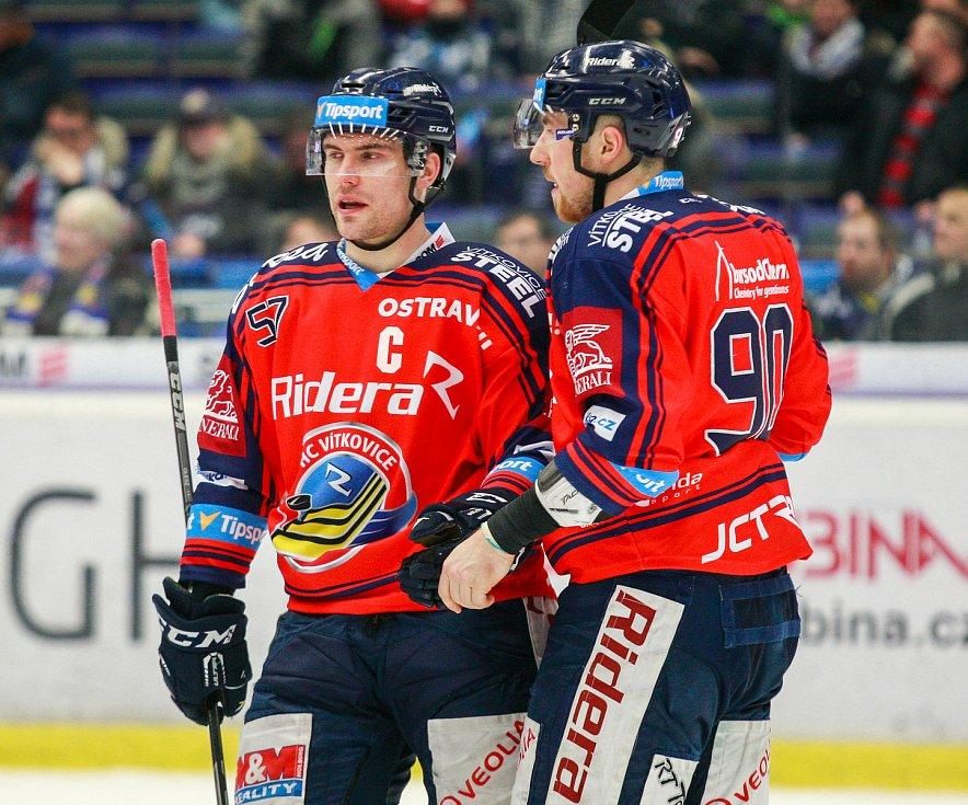 vlevo Rostislav Olesz, vpravo Jakub Lev