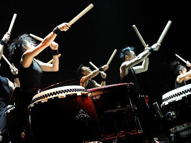 Japonské bubny rozduněly ČEZ Arénu v Ostravě.