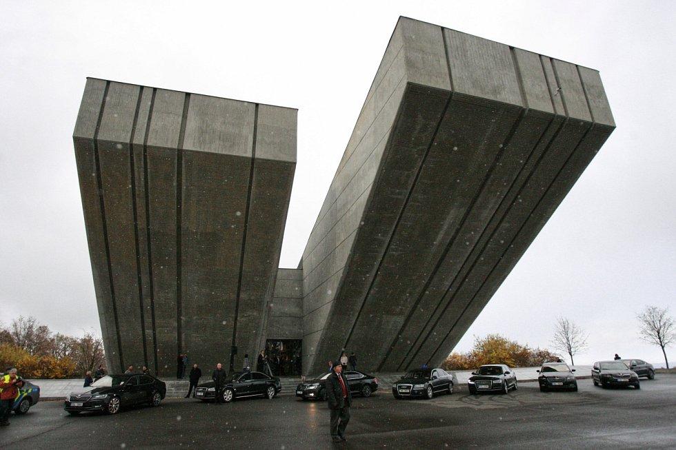 Druhý den své návštěvy Moravskoslezského kraje prezident Miloš Zeman zamířil také na Opavsko.