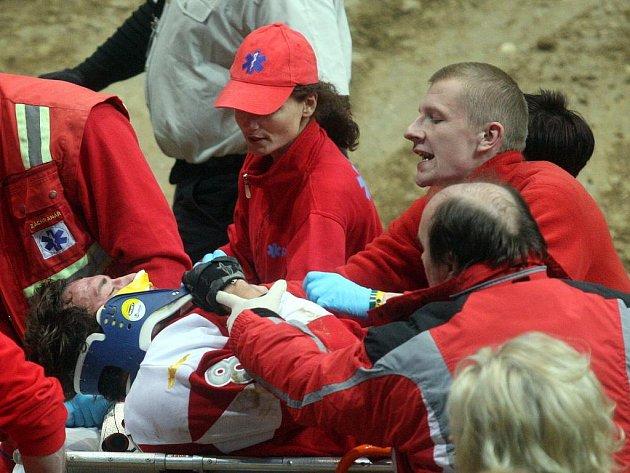 První závod dvoudílného ostravského podniku FIM mistrovství světa ve freestyle motokrosu zastínil ošklivý pád Scotta Murraye.