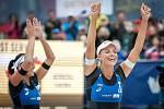 Turnaj Světového okruhu v plážovém volejbalu - semifinále, 24. června 2018 v Ostravě. Na snímku (zleva) Markéta Sluková a Barbora Hermannová.