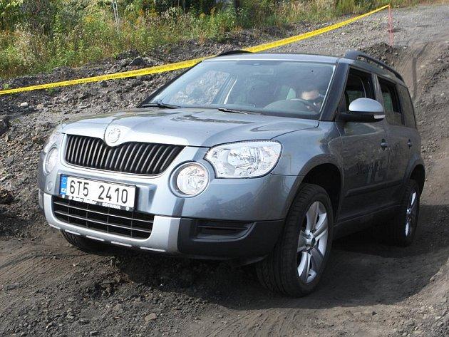 Nový vůz Škoda Yeti se v Ostravě představil v náročném terénu.