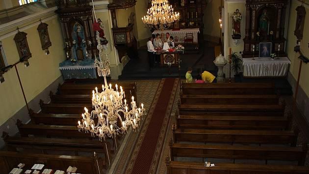 Noc kostelů v Doubravě nabídla kromě prohlídky zákulisí kostela například ochutnávku vzácných klášterních piv.