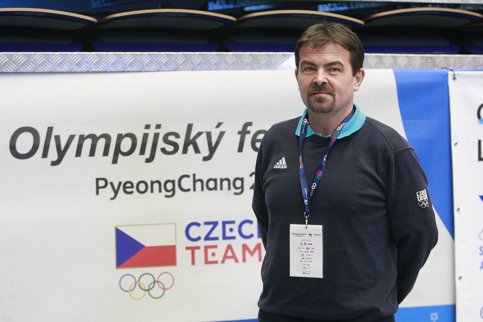 Bývalý český reprezentant ve střelbě, bronzový medailista z olympiády v Sydney, vícemistr světa a mistr Evropy a taky ostravský rodák Martin Tenk.