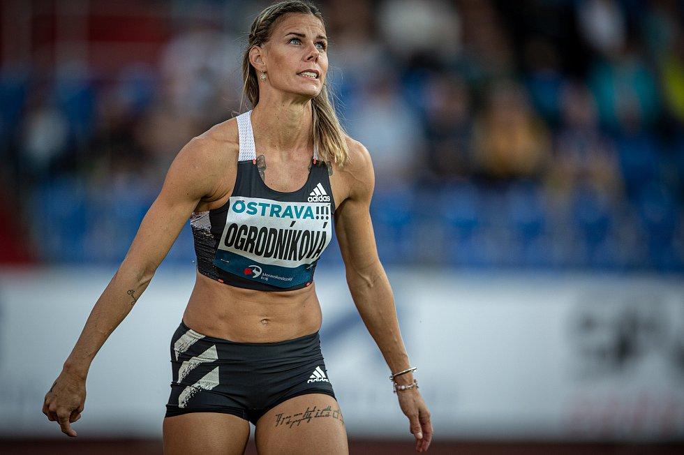 Zlatá tretra Ostrava - 59. ročník atletického mítinku, 8. září 2020 v Ostravě. Hod oštěpem Nikola Ogrodníková.