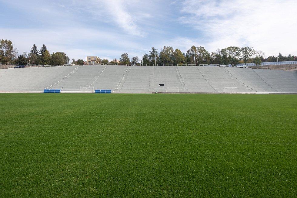 Stadion Bazaly těsně před dokončením.
