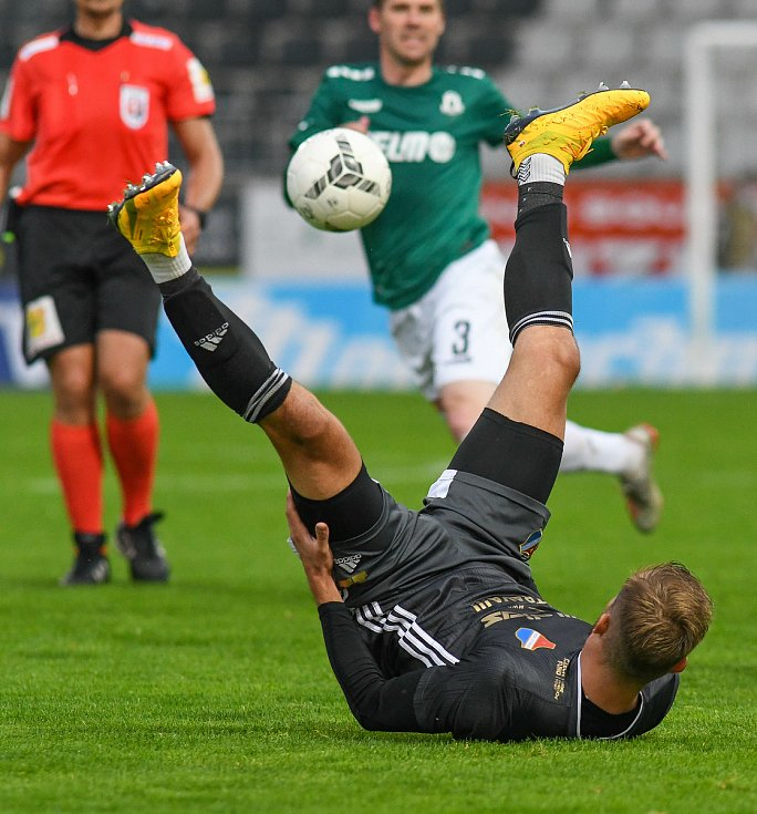 Nemanja Kuzmanovič - FORTUNA:LIGA - Skupina o titul, 5. kolo - FK Jablonec - FC Baník Ostrava, 8. července 2020 v Jablonci.