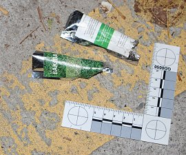 Policisté zajistili bezmála tisíc sáčků s nebezpečnou drogou