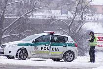 """Policisté """"číhající"""" v obci Bešeňová"""