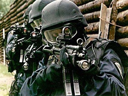 Policisté se v rámci výcviku připravují na různé zákroky. Reálné situace jsou však někdy jiné.