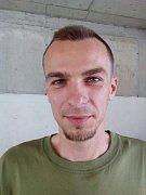 Michal Buba před a po ostříhání.