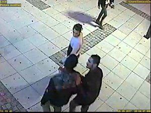 Poznáte mladíky na snímcích a videu z bezpečnostní kamery?