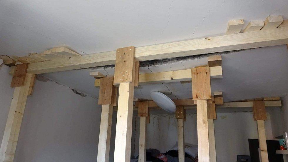 Záběry ze zničeného bytu paní Světlany z Ostravy.