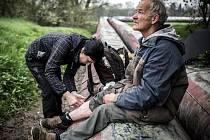 Jednou za týden vyráží třicetiletá Andrea Pekárková do terénu za svými pacienty. V Ostravě je od listopadu a pro Armádu spásy pracuje jako lékařka takzvané pouliční medicíny.