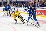 Mistrovství světa hokejistů do 20 let, zápas o 3. místo: Švédsko - Finsko, 5. ledna 2020 v Ostravě. Na snímku (zleva) brankář Finska Justus Annunen, Albin Eriksson (SWE), Toni Utunen (FIN).