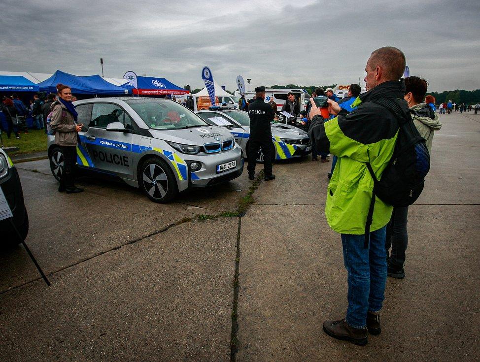 Dny NATO v Ostravě na letišti v Mošnově. Přehlídka policií