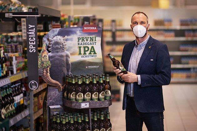 Pivovar Radegast uvádí na trh první svrchně kvašené pivo ve své historii. Březen 2021.
