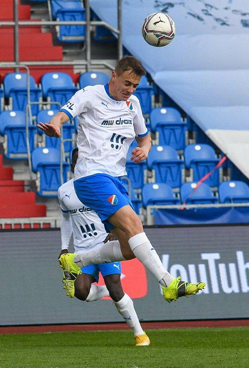 Fotbalisté Baníku Ostrava (v modro-bílém) v duelu 28. kola FORTUNA:LIGY s Mladou Boleslaví (2:1). Filip Kaloč.
