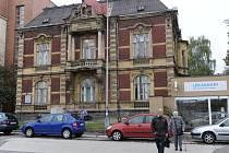 Jedna z vil u Městské nemocnice v Ostravě, která by mohla být prohlášena památkou.