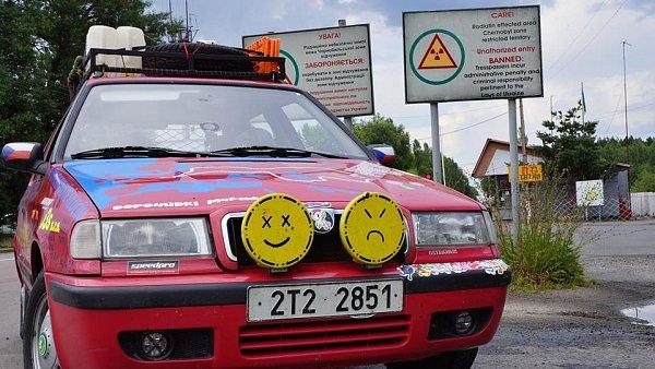 Stará 'felda' má za sebou návštěvu Černobylu, bloudění vKyjevě, tuhé hraniční kontroly na Ukrajinsko-Ruské hranici, panoramatický Volgograd.