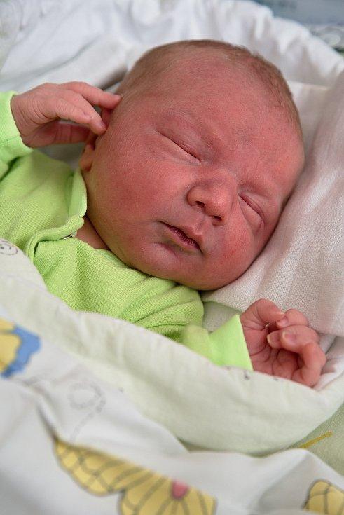 Jonáš Trombala z Těrlicka, narozen 5. dubna 2021 v Karviné, míra 50 cm, váha 3890 g. Foto: Marek Běhan