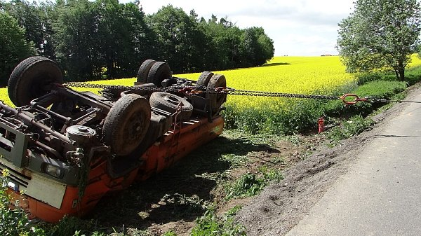 Nehoda cisterny uVelké Polomi omezila dopravu.