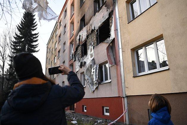 Snímek po ranní explozi vbytu vOstravě, 24.února 2021.