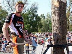 Osmnáctiletý budoucí lesník z jižních Čech měřil na Slezskoostravském hradě síly se špičkou českých dřevorubců.