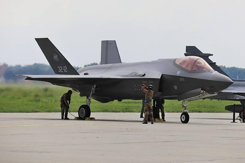 Na letišti v Mošnově přistál 17. září 2021 odpoledne letoun F-35 Lightning II, prvního letadlo páté generace, který přiletěl na víkendové Dny NATO.
