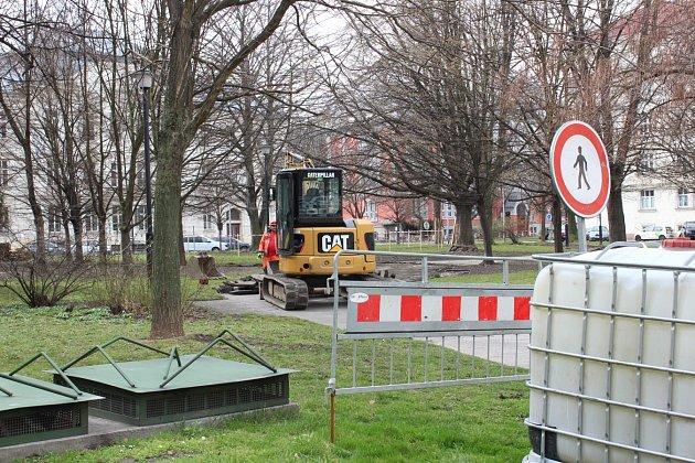 Rekonstrukce parku Čs. letců podél ulice 30. dubna v centru Ostravy.