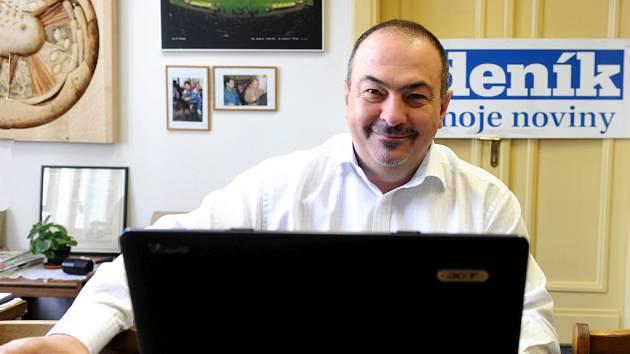 Pavol Lukša v redakci Deníku.