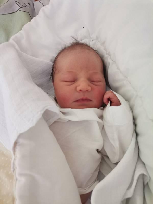 Stella Bystřická z Havířova, narozena 15. června 2021 v Havířově, míra 48 cm, váha 3280 g. Foto: Michaela Blahová