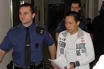 Vietnamec Quy Nguyen Van se před soudem ke své účasti na marihuanových obchodech přiznal.