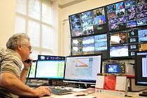 Na nejvyšší kvalitu televizního vysílání dohlíží pracovníci Dohledového centra v Ostravě-Porubě.