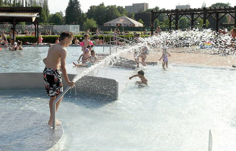 Vodní areál Jih v Ostravě-Zábřehu v prvních tropických dnech letošního roku.