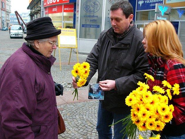 Rozdávání květin