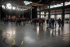 Projekt Bo kultura jede!!! má za cíl podpořit umělce v těžké době a zároveň rozpohybovat kulturní akce pro veřejnost. První koncert projektu - kapela Úspěch, 25. května 2020.