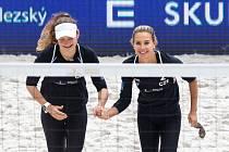 FIVB Světové série v plážovém volejbalu J&T Banka Ostrava Beach Open, 29.května 2019 v Ostravě. Na snímku (zleva) Karolina Rehackova (CZE), Sara Olivova (CZE).