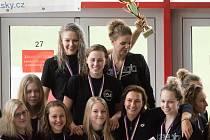 Plavkyně KPS Ostrava jsou v Česku i letos nejlepší! Ve finále ligy družstev, které poprvé hostila porubská krytá padesátka, se o víkendu radovaly z pátého titulu mistryň v řadě za sebou.
