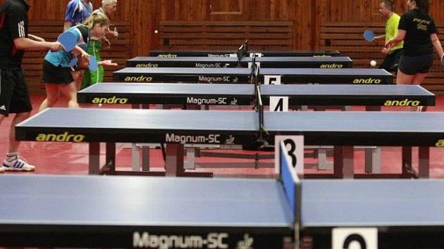 Silvestrovský ping pong v Ostravě.