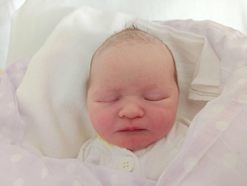 Julie Guznarová, narozena 14. září 2021 v Třinci, míra 47 cm, váha 3070 g. Foto: Gabriela Hýblová