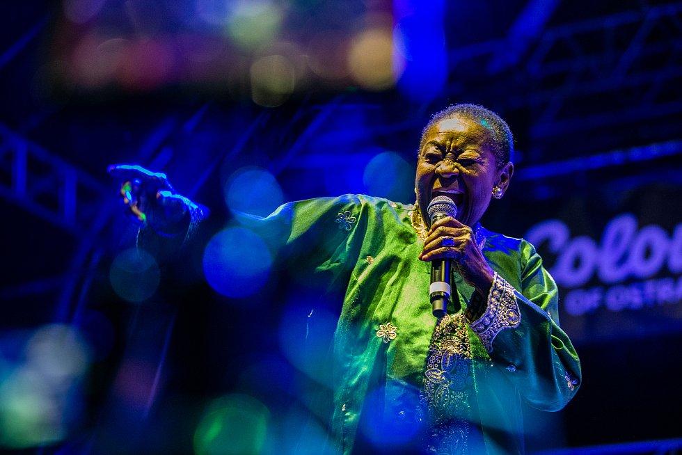 Hudební festival Colours of Ostrava 2019 v Dolní oblasti Vítkovice, 19. července 2019 v Ostravě. Na snímku Calypso Rose, občanským jménem Linda McCartha Monica Sandy-Lewis.