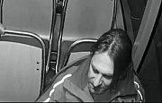 Poznáte muže na snímku z tramvaje?