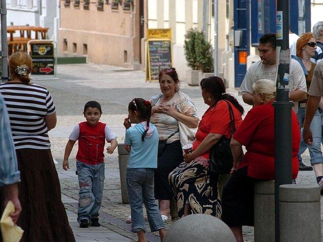 Romové na Jiráskově náměstí v centru Ostravy