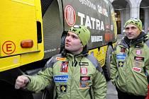 Aleš Loprais před Novou radnicí v Ostravě, před odjezdem na Rallye Dakar