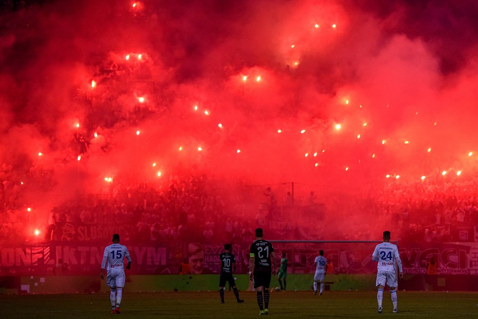 Finále fotbalového poháru MOL Cupu: FC Baník Ostrava - SK Slavia Praha, 22. května 2019 v Olomouci. Na snímku fanoušci Baníku.