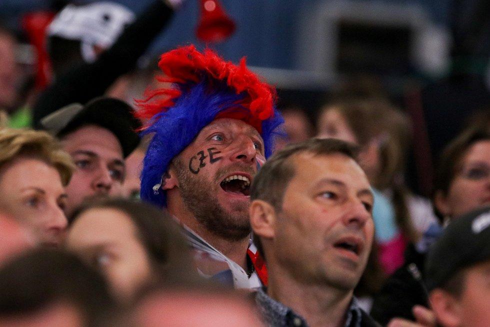 Mistrovství světa v para hokeji 2019, 3. května 2019 v Ostravě. Na snímku fanoušci.