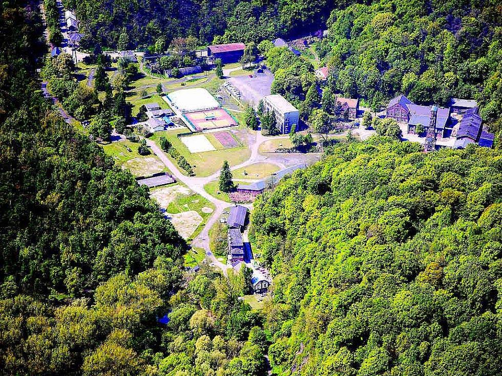 Letecký snímek areálu Hornického muzea v Ostravě-Petřkovicích.